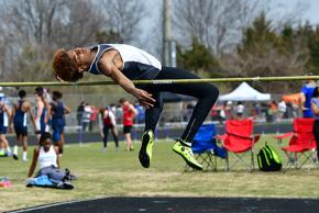 a picture of boys track and field